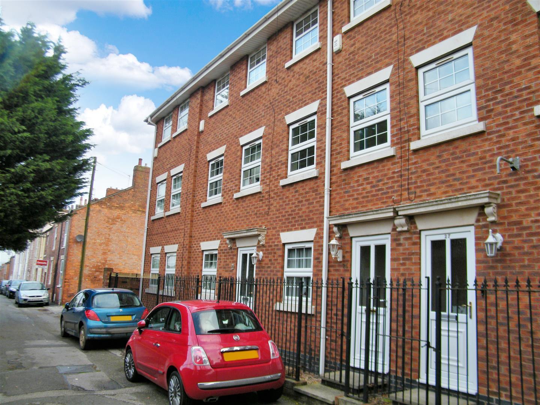 4 bedroom property in Grantham